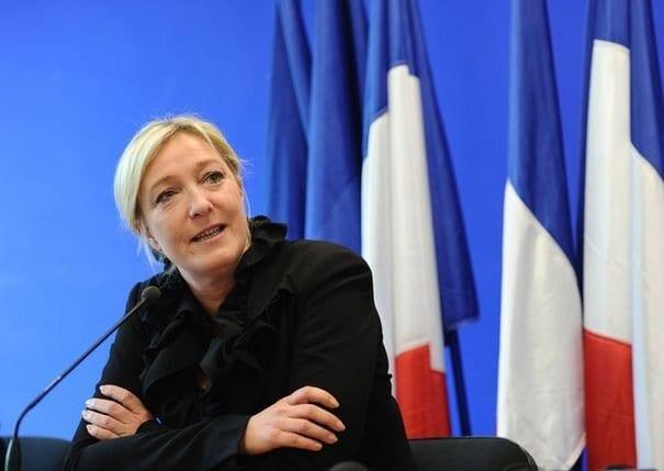 Non, le FN ne veut pas sortir de l'UE… ni même de l'euro !