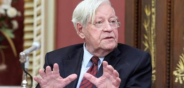 helmut schmidt upr 600x286 Le vice président de la Deutsche Bank avoue que les profits bancaires sont économiquement insensés