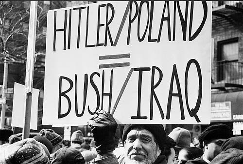 bush-hitler-irak-usaz