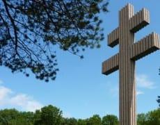 Colombey-Les-Deux-Eglises-La-croix