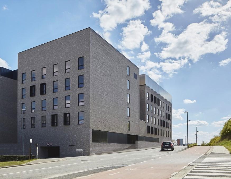 L'attribut alt de cette image est vide, son nom de fichier est LOUVAIN-LEUVEN-Institut-Rega.jpg.