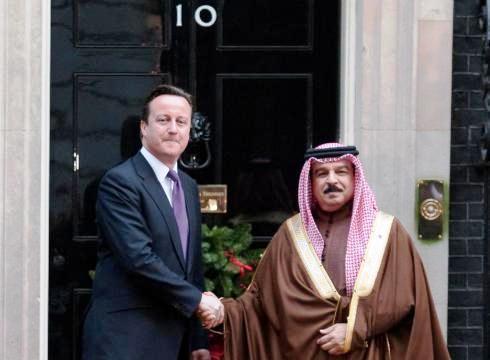 13 décembre 2011 : Le Premier ministre britannique, David Cameron, reçoit le roi du Bahreïn au 10 Downing Street