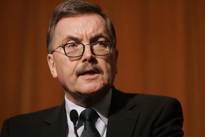 Jürgen Stark a démissionné de son poste de vice-président de la Bundesbank et de membre du directoire de la BCE le 9 septembre 2011 pour protester contre la politique de la BCE.