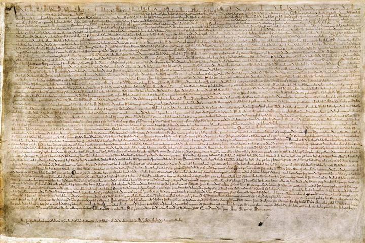 La Magna Carta Libertatum ou « Grande Charte » est une charte de soixante-trois articles arrachée par le baronnage anglais au roi Jean sans Terre le 15 juin 1215, après une courte guerre civile notamment marquée par la prise de Londres, le 17 mai, par les rebelles. Les barons étaient excédés des exigences militaires et financières du roi et de ses échecs répétés en France, en particulier à Bouvines et à La Roche-aux-Moines.