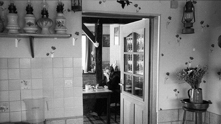 Murielle, 54 ans, habite à Signy-L'Abbaye (Ardennes). Son mari était agriculteur. Il s'est suicidé 3 mois avant cette photo. Un autre suicide d'agriculteur a eu lieu quelques jours avant, à 12 km.